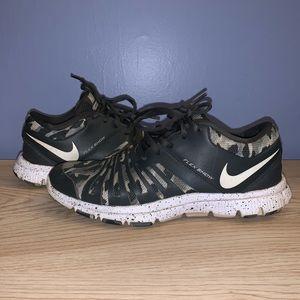 Nike flex show sneakers